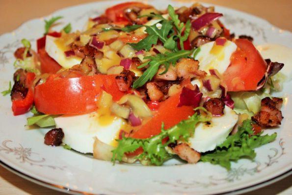 Салат с беконом и моцареллой, Необычный рецепт салата